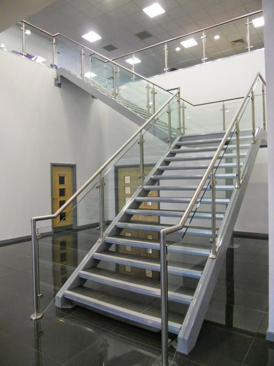 Tìm kiếm mẫu cầu thang sắt ngoài trời đẹp nhất năm - Hình 1