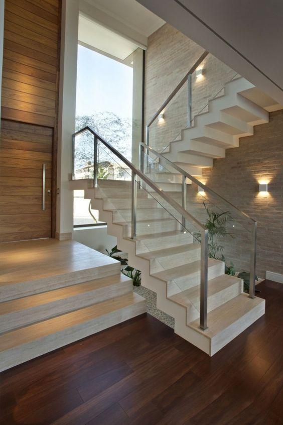 Mẫu thiết kế cầu thang kính inox đẹp hiện đại - Hình 1