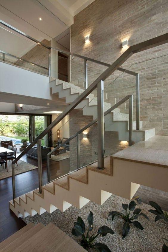 Mẫu thiết kế cầu thang kính inox đẹp hiện đại - Hình 2