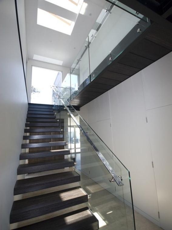 Giới thiệu cầu thang xương cá bằng bê tông đẹp - Mẫu 1