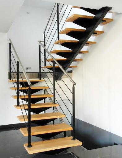 Giới thiệu cầu thang xương cá sắt đẹp xu hướng hiện đại - Mẫu 2