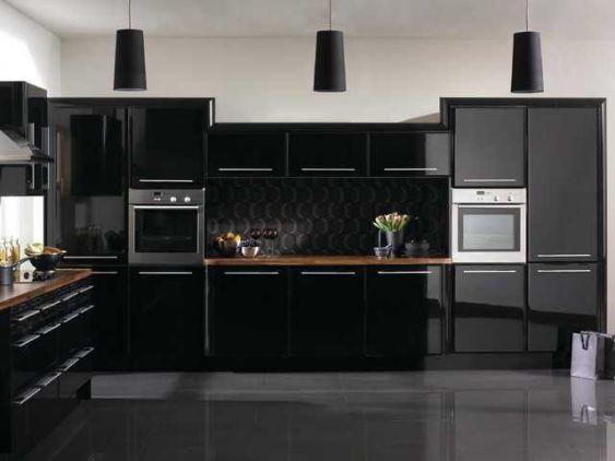 Mẫu tủ bếp acrylic màu đen đẹp