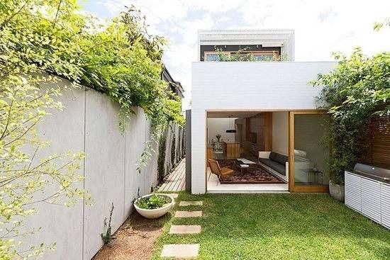 Thiết kế nhà ống 1 tầng 2 phòng ngủ có sân cỏ